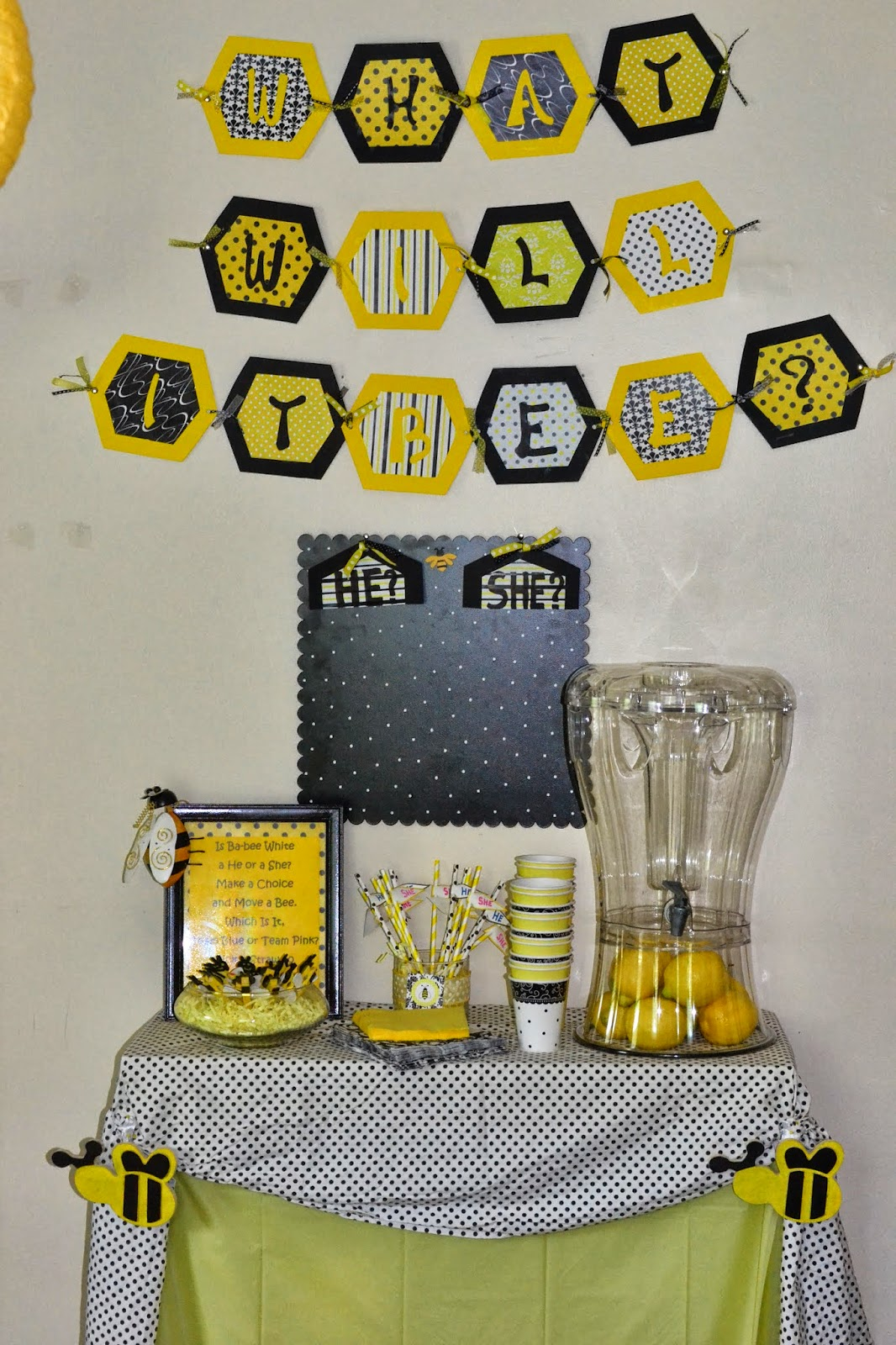 Now There Are A Lot Of Cute Ideas For Bee Parties At That Point In Time Were Not Decorations Out