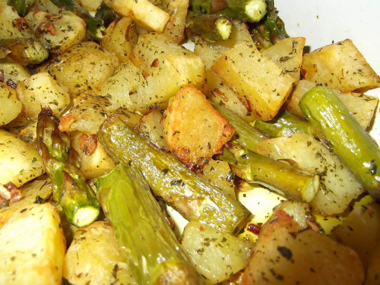 La cuchara en la maleta esp rragos con patatas al horno for Cocinar esparragos
