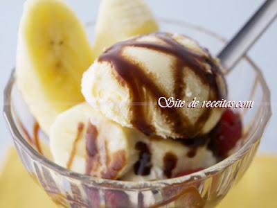 Sorvete caseiro de banana-nanica