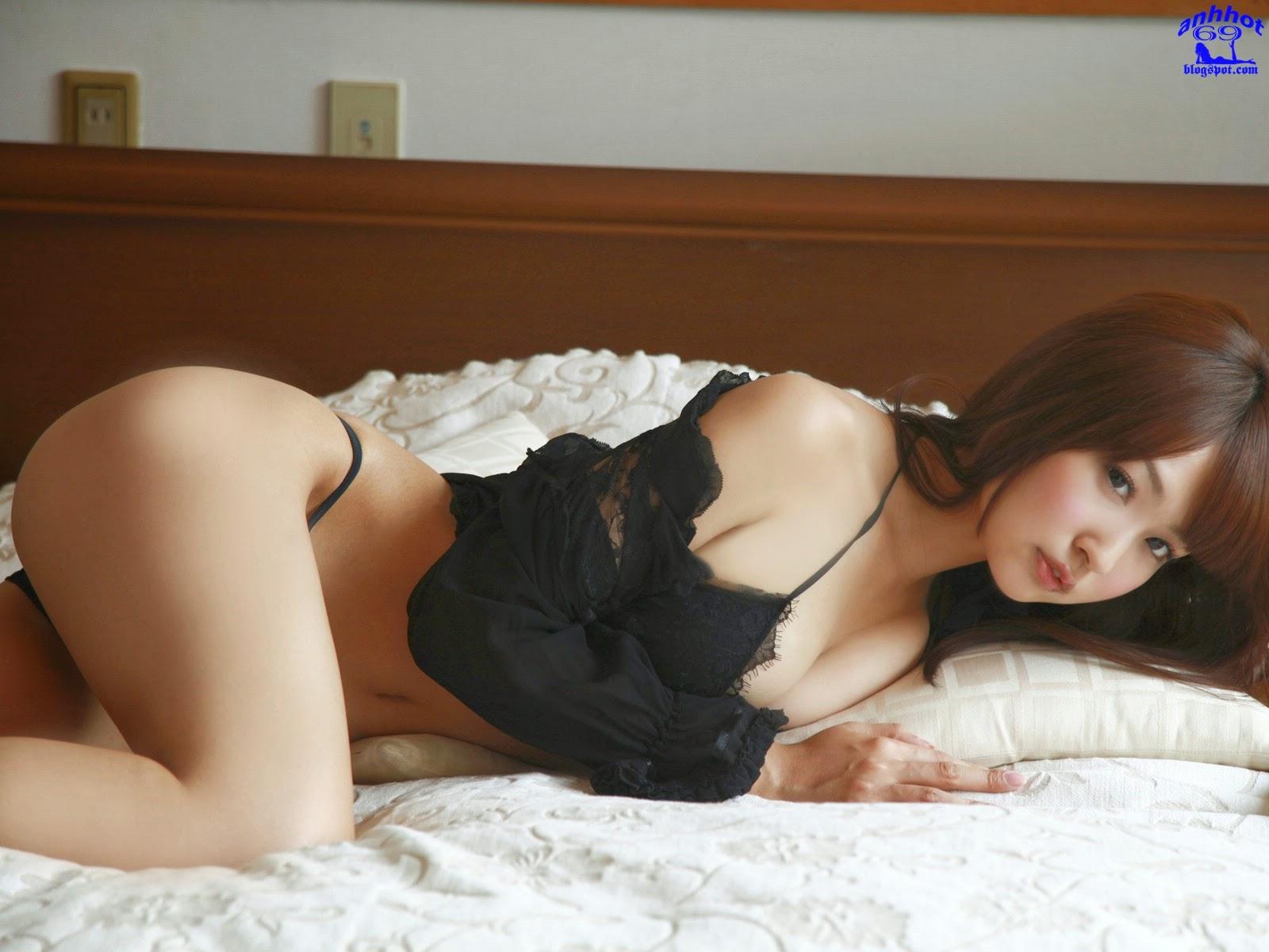 misaki-nito-00961410