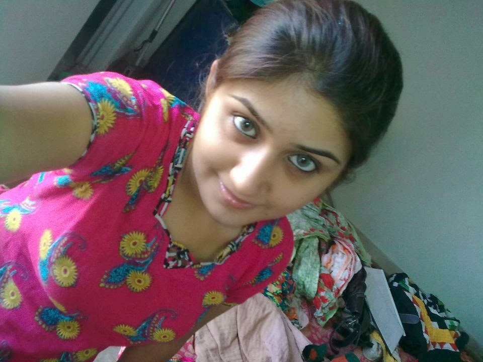 Cute indian girls august 2014 for Desi home pic