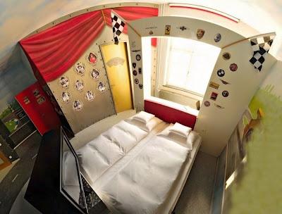 Hotel Unik, Ranjangnya Menggunakan Mobil Marcedez [ www.BlogApaAja.com ]