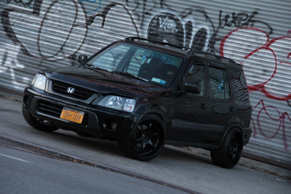 Honda CR-V, czarna, zdjęcia, SUV, tuning, modyfikacje, pasja, japońskie samochody, valokuvat