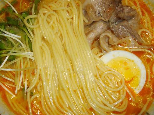 【日の出製粉株式会社】九州ラーメン 赤龍 辛子みそ味