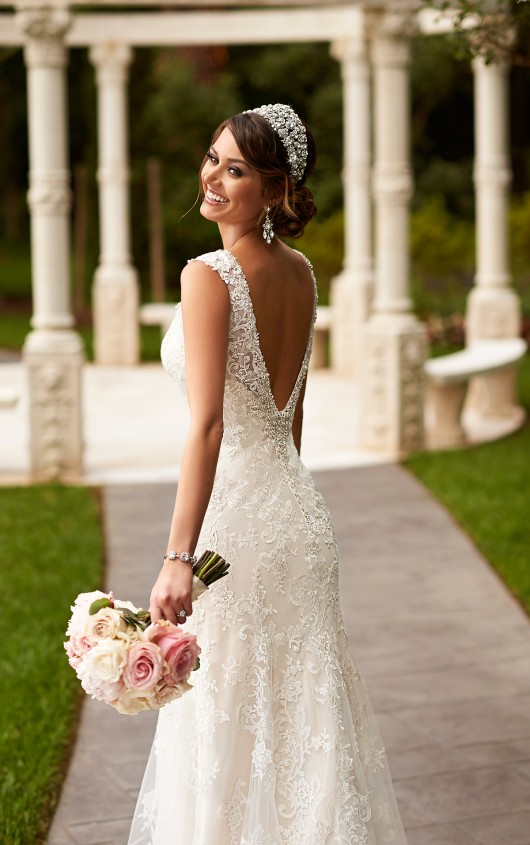 To choose non traditional wedding dresses prom fashion to choose non traditional wedding dresses junglespirit Choice Image