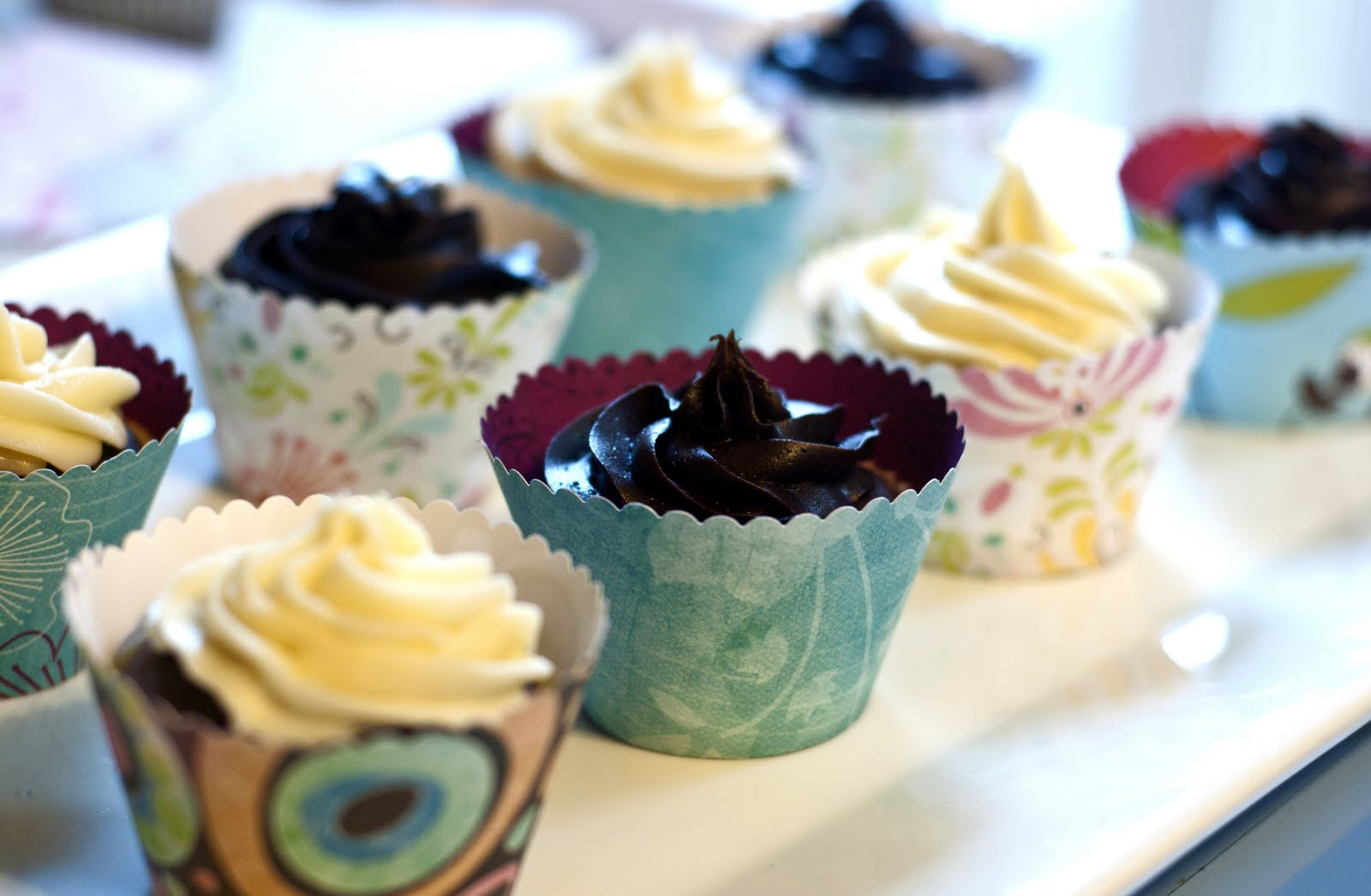 D.I.Y. Cupcake Wrappers   Mother\'s Mementos