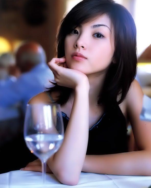 麗奈 (女優)の画像 p1_13