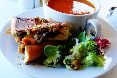 Haggis sandwich and tomato soup