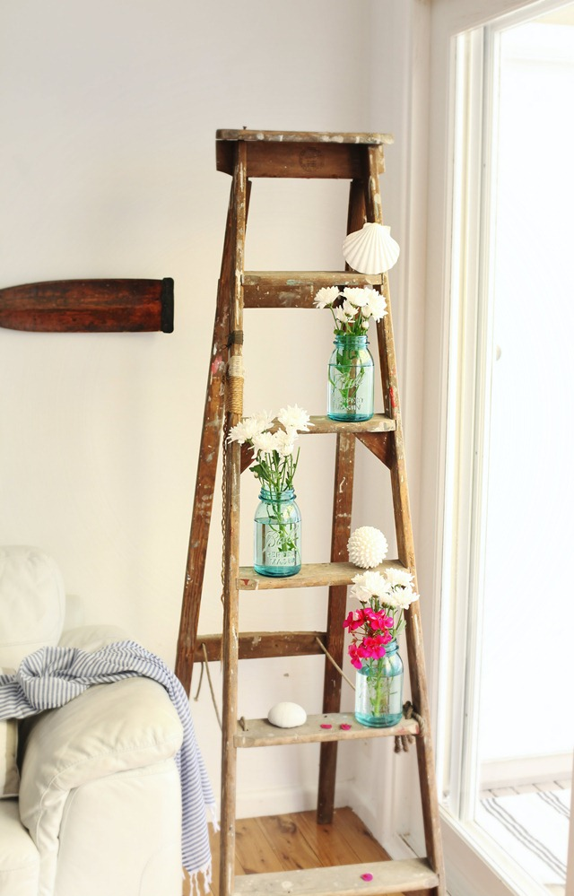 Ladder Decor On Wall : Good style decorate with ladders