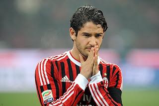El Milan se quedó sin Pato y Pato sin temporada