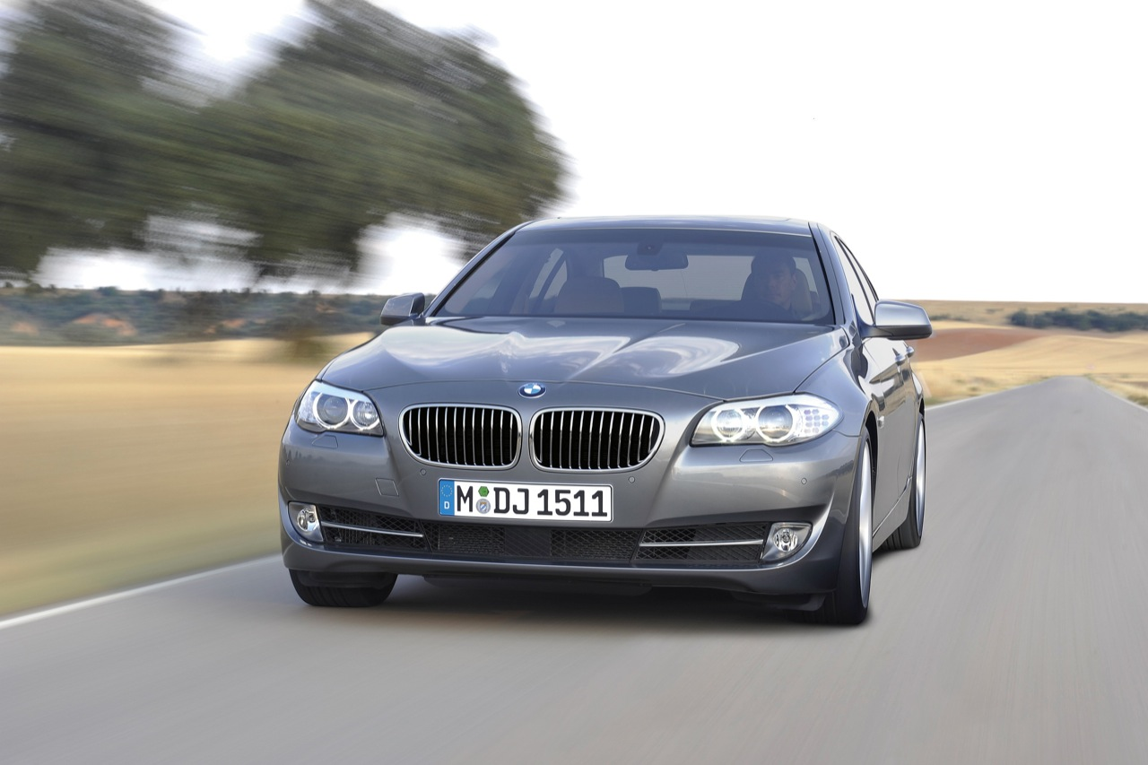 Wallpapers Cars 2011 Bmw 5 Series