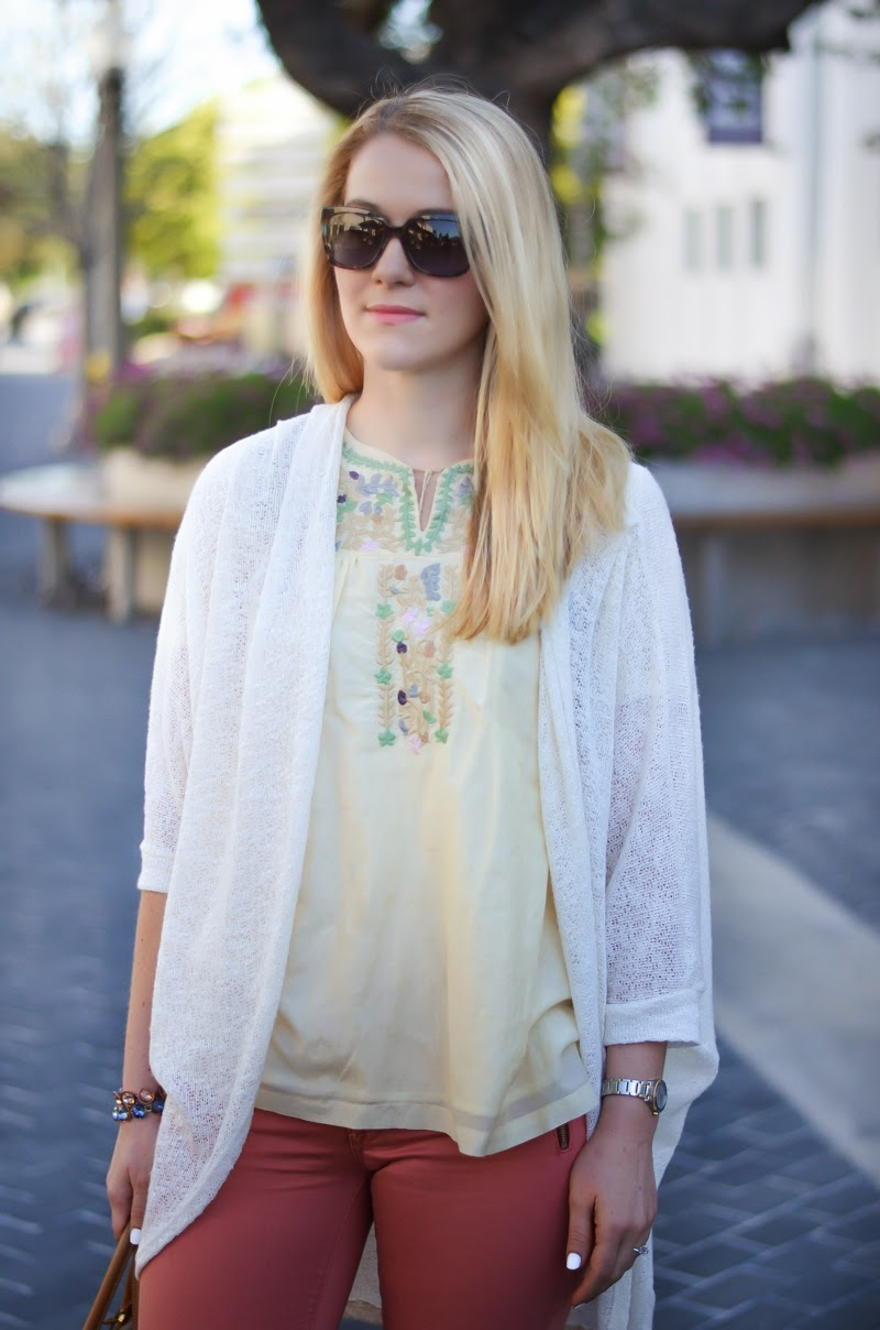 3x3 Style: Pastel Pants for Spring - Fidelity Colored Denim | Luci's Morsels
