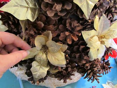 pinecone christmas tree centerpiece tutorial