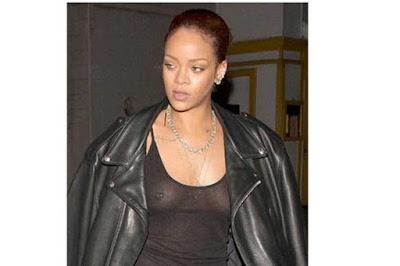 rihanna-mostro-piercing-blusa-transparente-sosten