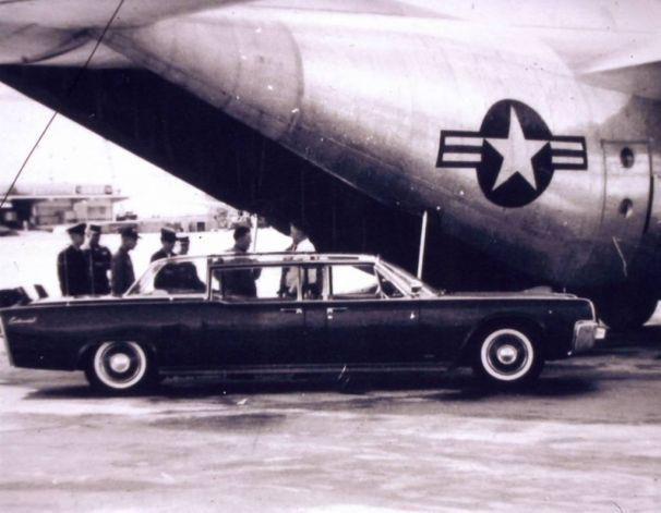 BUBBLETOP LIMO READY FOR JFK DECEMBER 1961