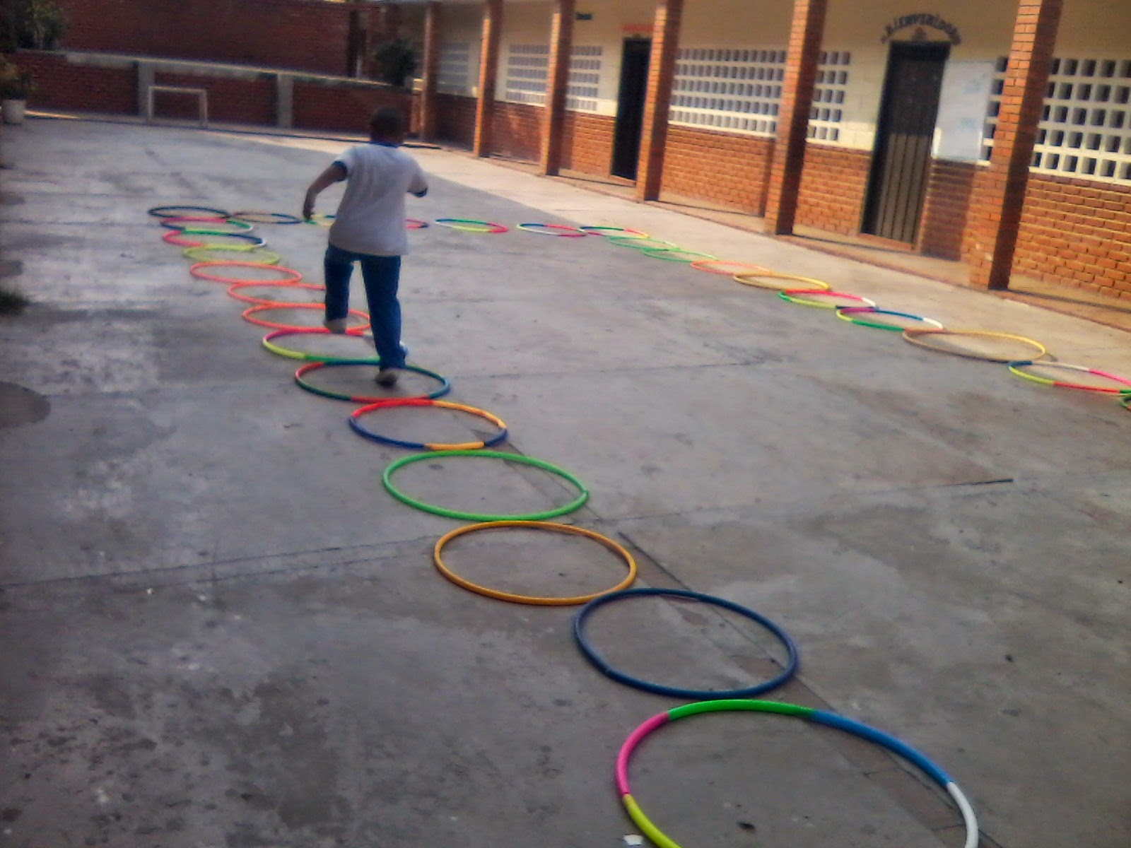 Ejercicios y Juegos Recreativos, Con Hula Hula y Cuerdas