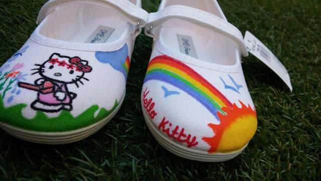Zapatillas pintadas a mano Hello Kitty