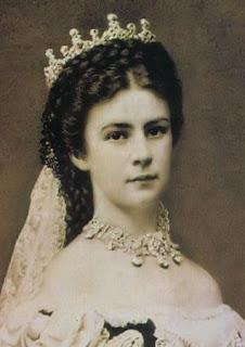 http://1.bp.blogspot.com/-hTfjZKpPzjA/UW_uQw5DKTI/AAAAAAAABUU/Qqzf2sky9pE/s320/Elisabeth-%25C3%2596sterreich-1867.jpg
