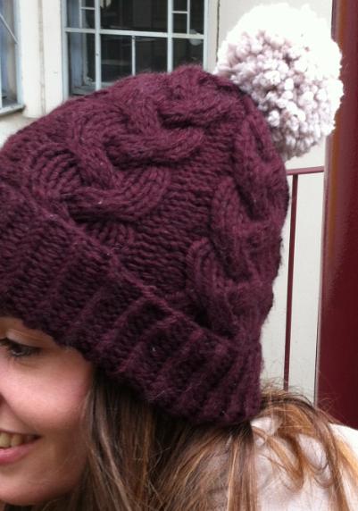 modele tricot bonnet a torsades. Black Bedroom Furniture Sets. Home Design Ideas
