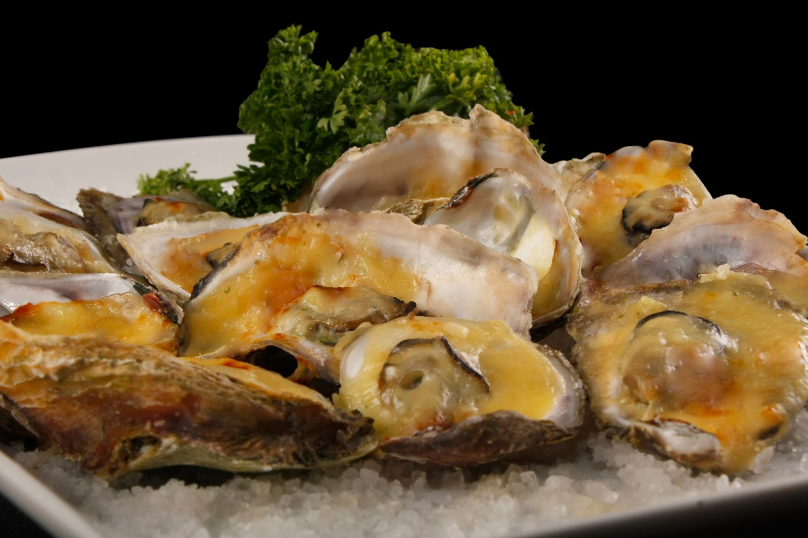 Baked Oysters with cheese & garlic
