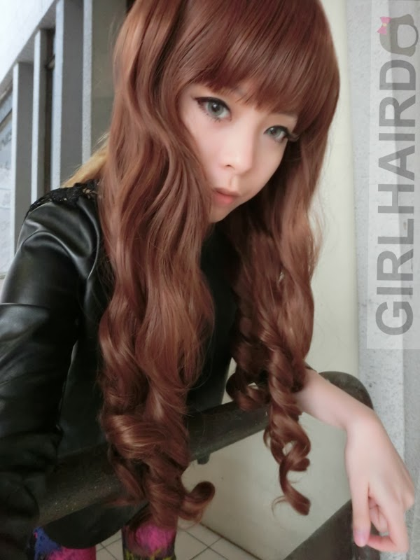 http://1.bp.blogspot.com/-hUEmIAbYQTQ/UyGGK12OXjI/AAAAAAAARpQ/QClO8E2ZHuA/s1600/CIMG0016+++girlhairdo+wig+shop+where+to+buy+wig+nice+curly+long+wig+singapore+hair+extensions.JPG