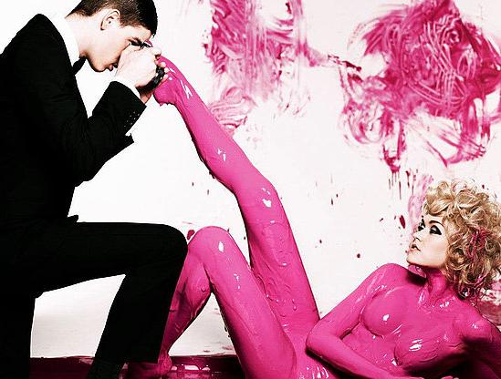 Australia 39 s next top model goes pink feat montana cox for Paint photo shoot ideas