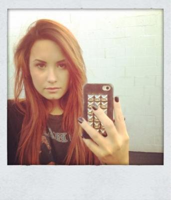 Demi Lovato  on Demi Lovato Ruiva3 Jpg