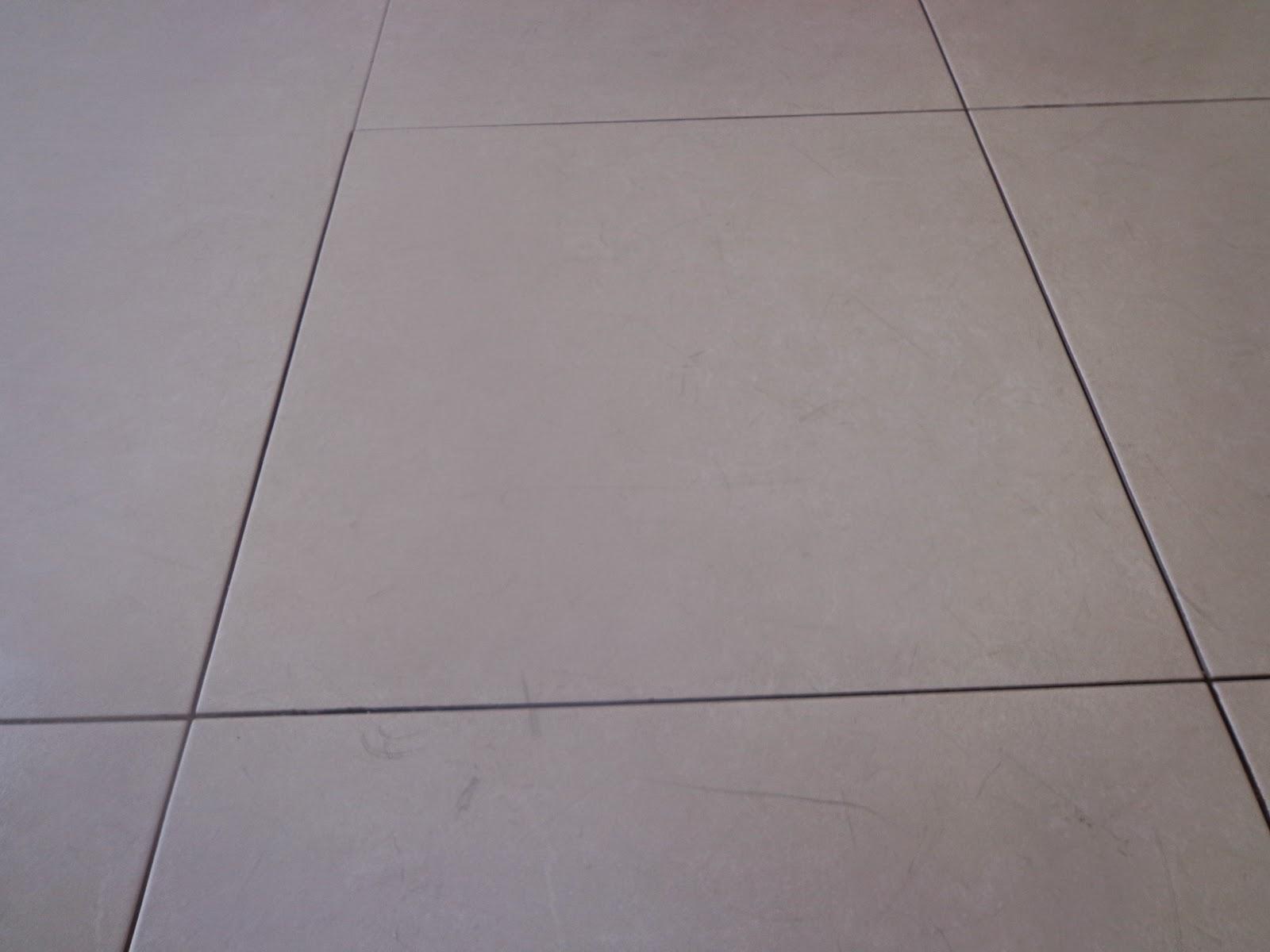Piso banheiros Porcelanato Incepa retificado travertino acetinado  #675851 1600x1200 Banheiro Com Porcelanato Retificado