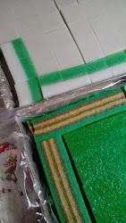 talam pandan  RM28 dan lapis ubi kayu RM33