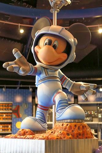 Comme Mickey participez à la conquête spatiale