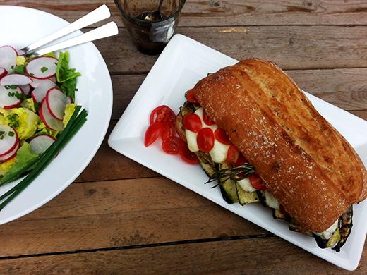 Gefülltes Ciabatta vom Grill vegetarisch Grillen Holunderweg18 Foodblog