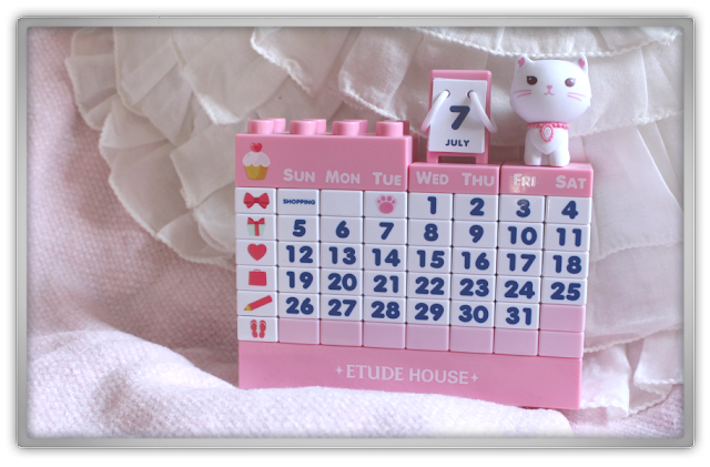 Love Hate Relationship  Etude House Etti Block Calendar beauty blogger month pink cute kawai