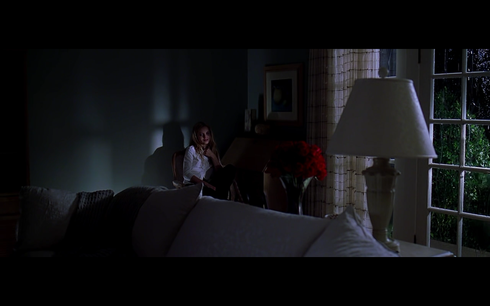 a review on the cinematography of the american beauty American beauty is the greatest movie ever made if you haven't already, watch american beauty by yourself and give yourself some time afterwards to think it over.