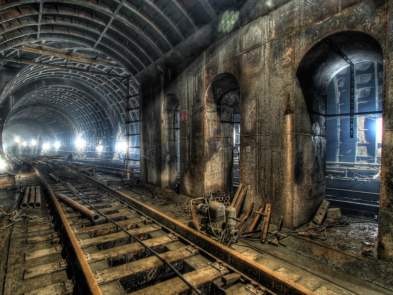 Scary Metro Railways HD Wallpaper   Windows 8 HD Wallpapers