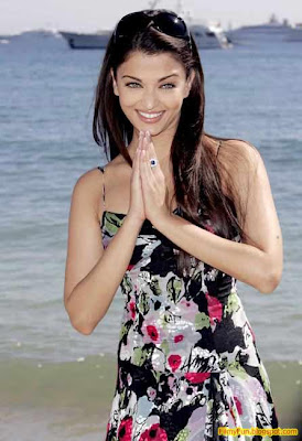 aishwarya rai hottest wife of bollywood_FilmyFun.blogspot.com