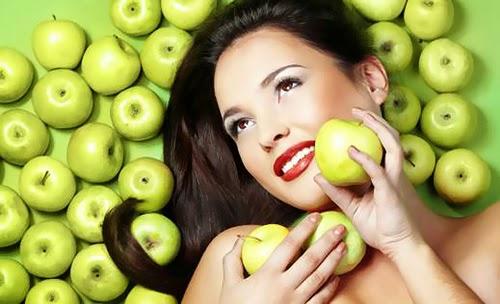 Perawatan Wajah Berjerawat dengan Buah Apel