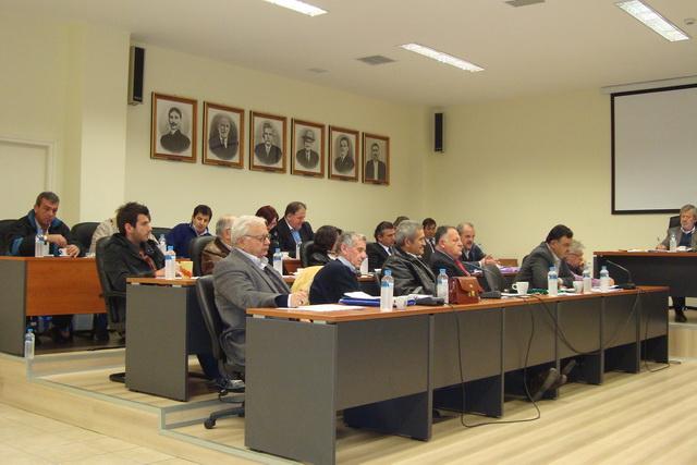 Με διαγωνισμούς και διαδικαστικά συνεδριάζει η Οικονομική Επιτροπή