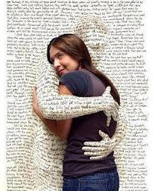 Με το βιβλίο αγκαλιά