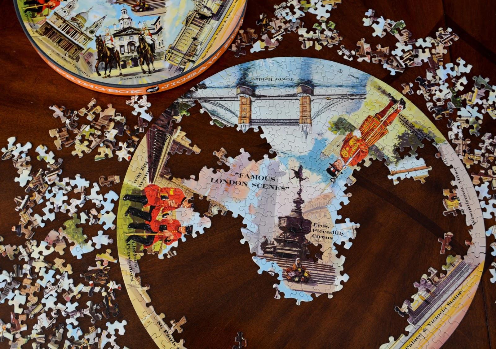 cozy birdhouse | springbok circular puzzles
