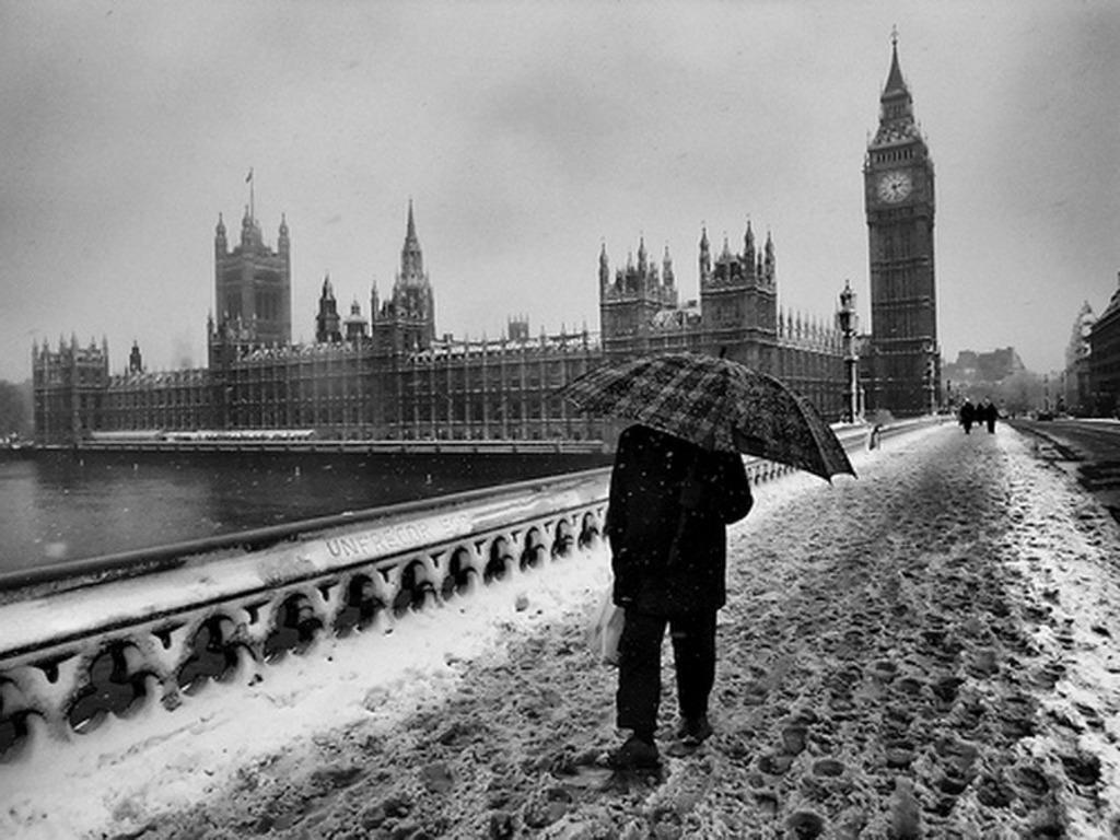 http://1.bp.blogspot.com/-hVb22lo8NQ8/T00zN-ya48I/AAAAAAAAAhk/54NCVbB7HmI/s1600/London_in_Winter_Wallpaper_oqf4u.jpg