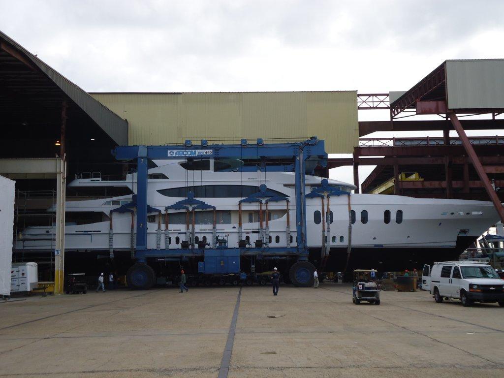 Lady Linda is a tri-deck, semi-displacement custom built aluminum superyacht ...