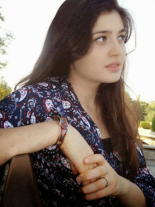 Innocent Face Pakistani Cute Girl