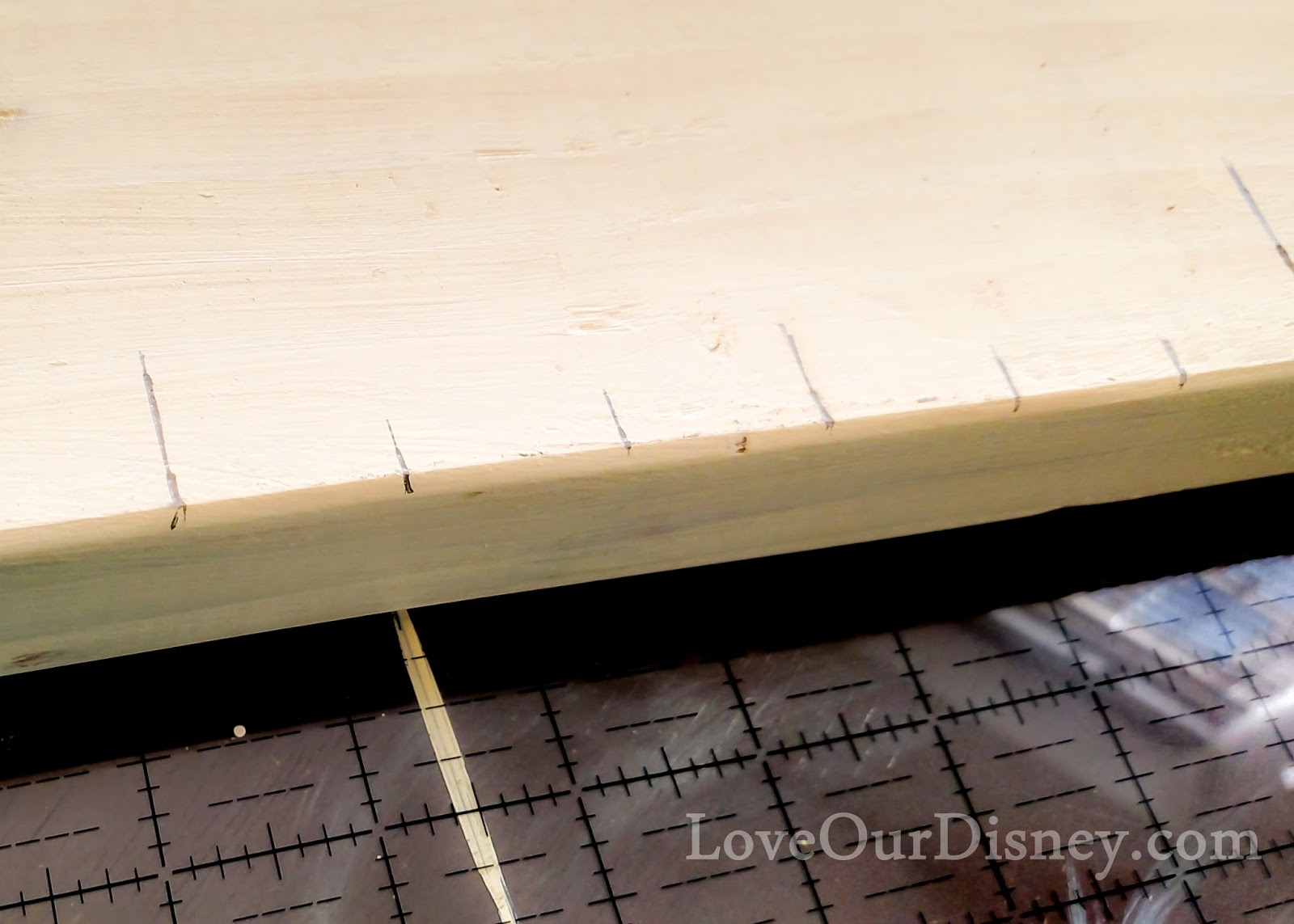 Create a Disney inspired growth chart. So easy to do! LoveOurDisney.com