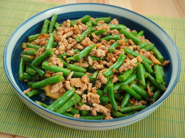 The Red Gingham: Chinese Ground Pork and Green Beans Stir Fry