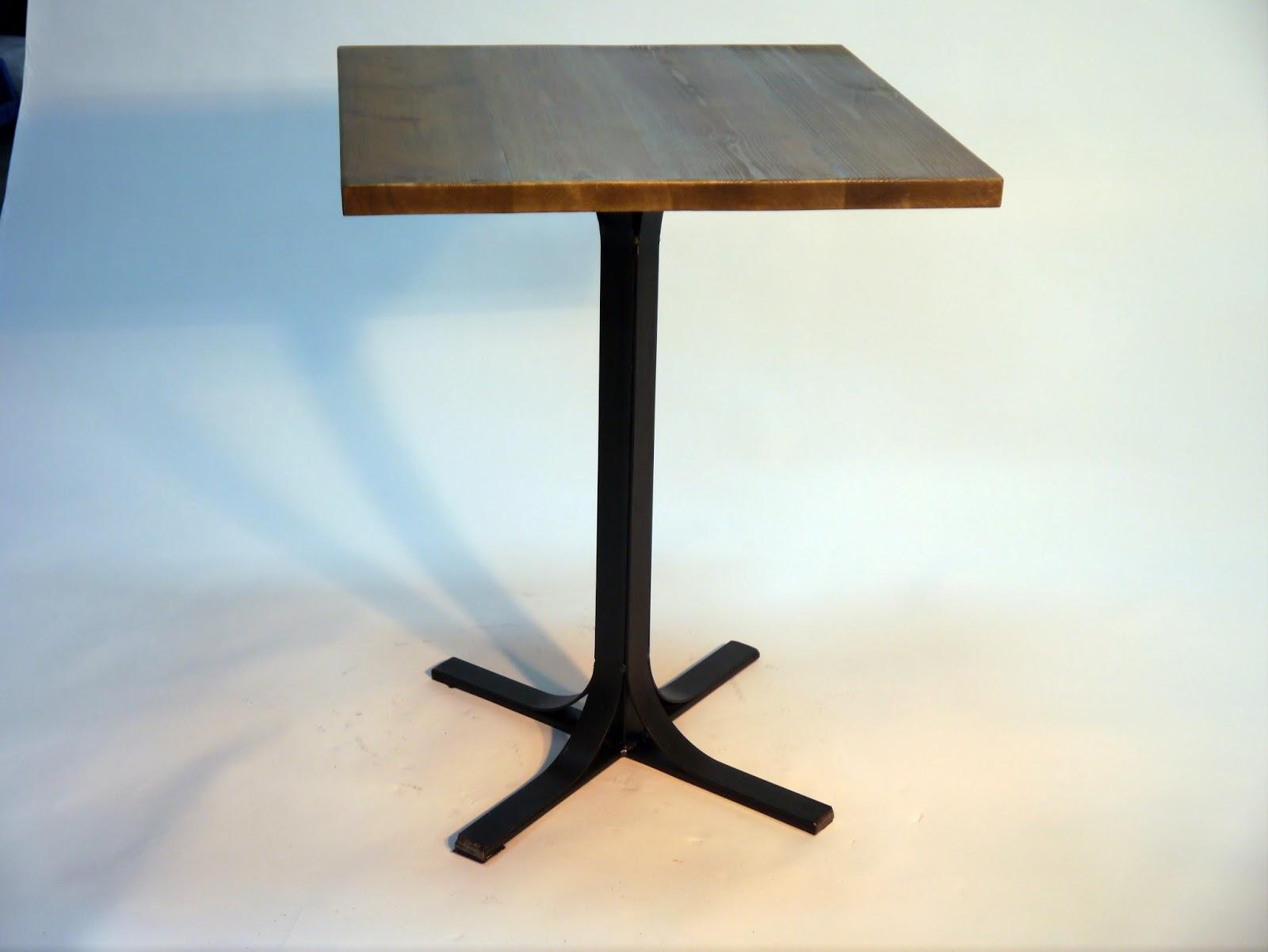 Mesas y sillas en metal de estilo industrial en hierro y for Mesas y sillas para bodegas