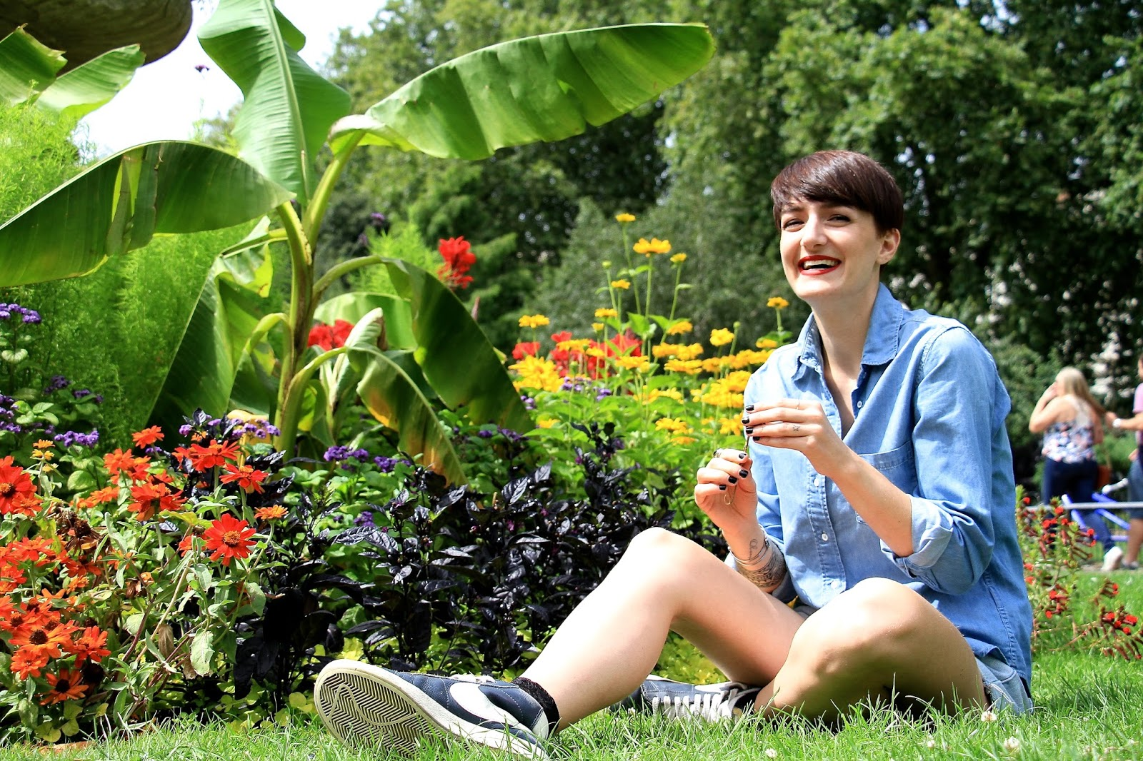 no flowers hyde park gardens london photography Nars Dragon Girl lipstick lexie blush www.lexieblush.co.uk
