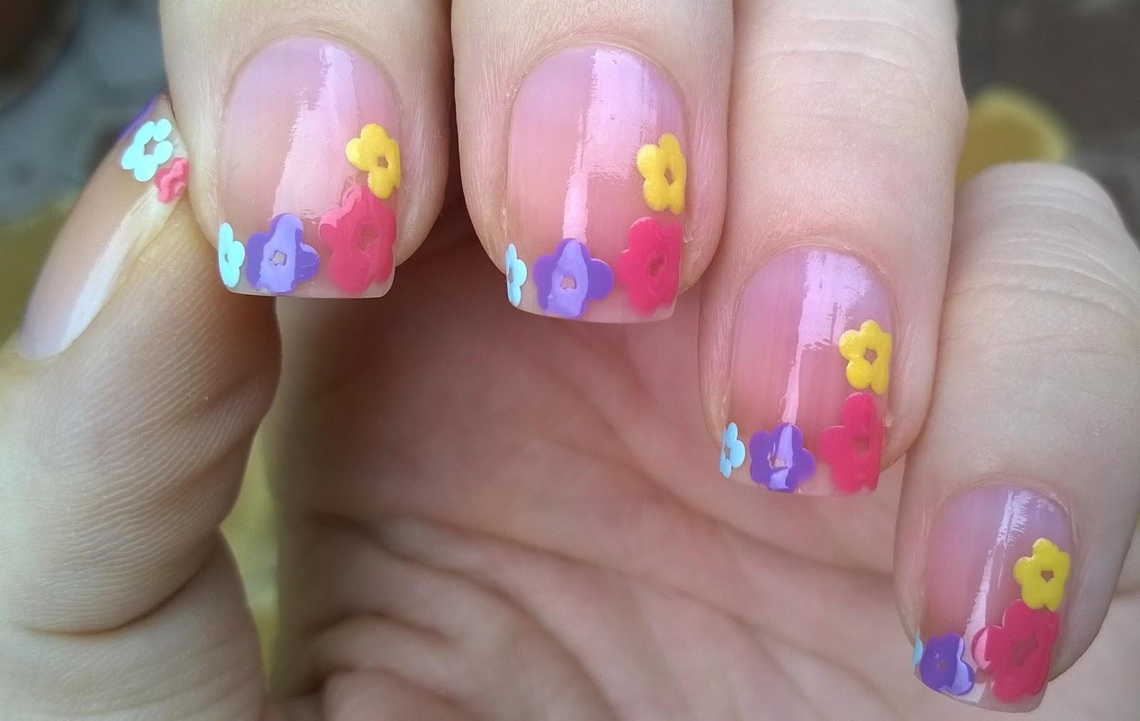 Life World Women: Sheer Pink Nail Art - Flower French Tips
