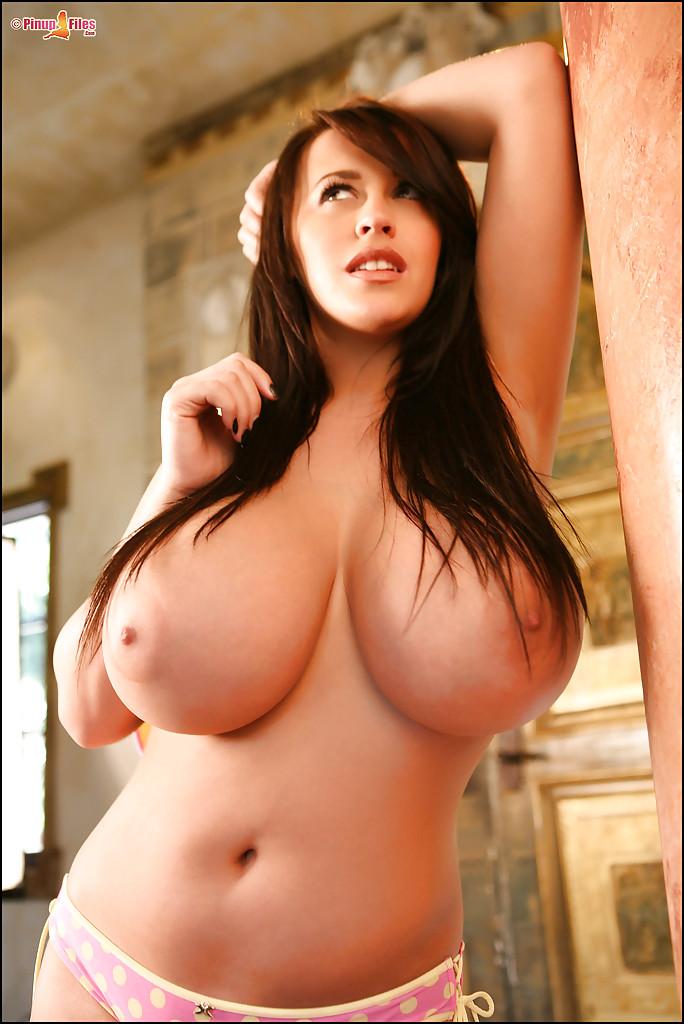 Девушки с большой голой грудью фото 97490 фотография