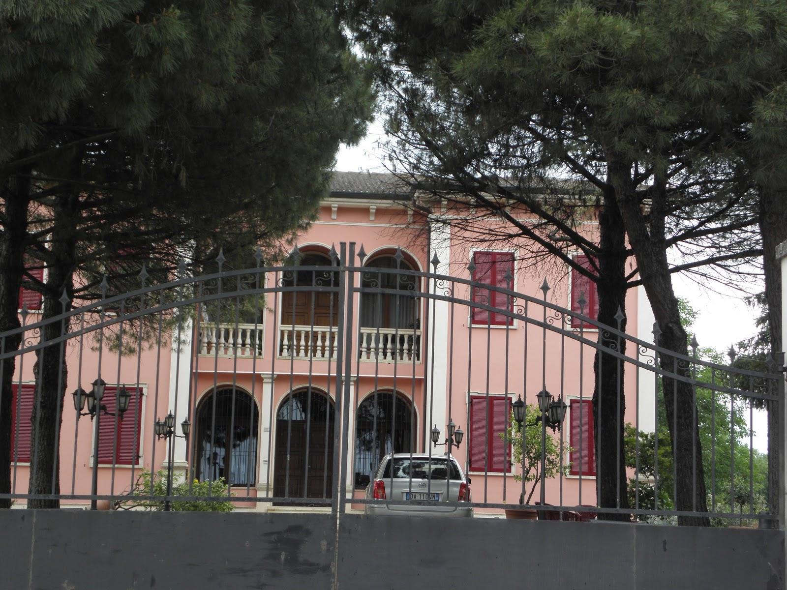 Finest villa merlin zancanella isole spare menago disegni for Disegni di ville