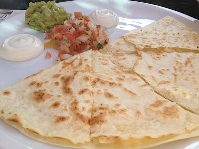 Salsa Restaurant free nachos